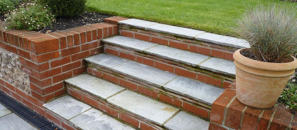 Garden Walls And Steps Transform Landscapes